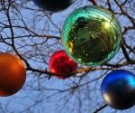 Wie die Christbaumkugel an den georgischen Weihnachtsbaum kam