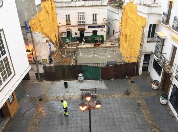 Straßen werden im Morgengrauen geputzt