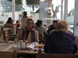 Frauen treffen sich hier gern zum Cafe und Kuchen